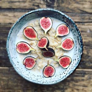 Cinnamon and Fig Oats